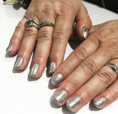 Silver Gloss Nails