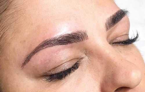Microblading produces Natural Full Eyebrows